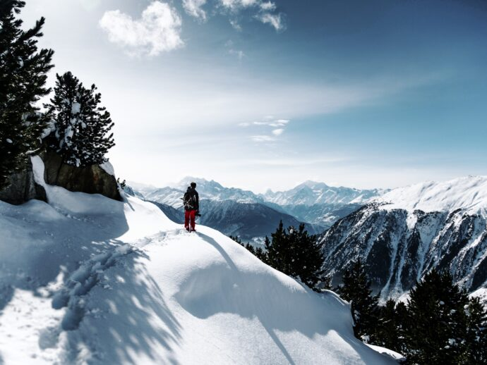 6 Big Benefits of Being in Nature (Even When It's Cold)